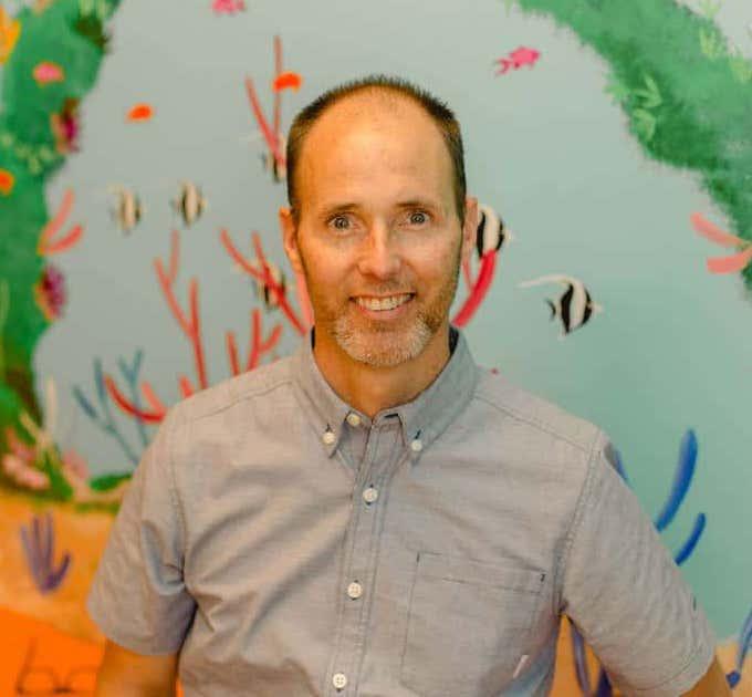 Dr.David Neil